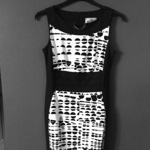 Designer Joseph Ribkoff sheath style dress